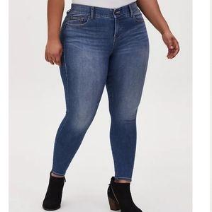 Torrid Premium Bombshell Skinny Jeans Medium Wash